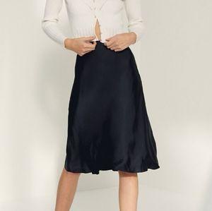 Dresses & Skirts - Aritzia Wilfred black only slip skirt